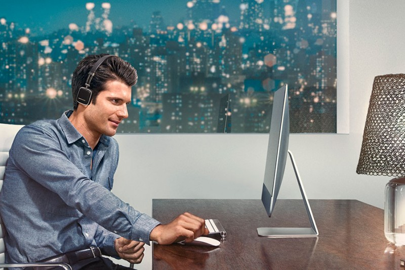 Harman Kardon 推出皮革外觀的藍牙耳機 SOHO WIRELESS