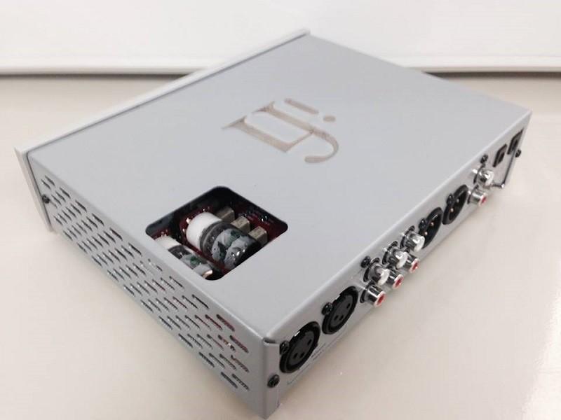 iFi Audio 全新 iCan Pro 膽 / 石雙輸出功能前級加耳機放大器
