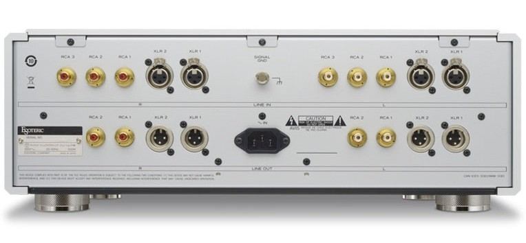 Esoteric 推出全新立體聲前級 C-03Xs