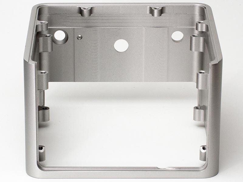 Deff Sound 推出鋁製外殼的迷你合併放大器 DDA-AMP1