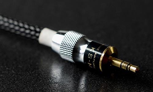 經典重生,光城精工推出復刻版 KM01-BRASS.Re 便攜式耳機放大器