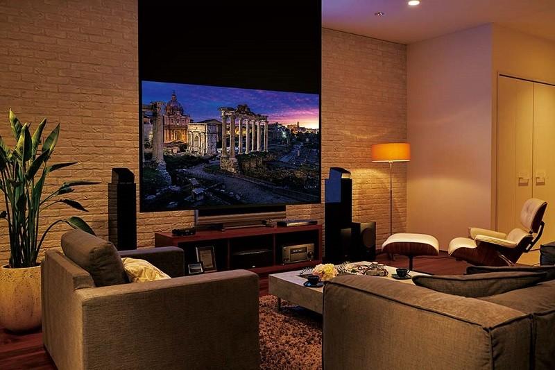 Epson 推出 dreamio 家庭影院系列 4K 投影機 EH-TW8300 / TW8300W
