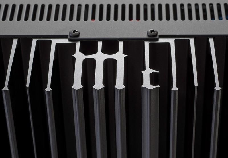 全功能結合, McIntosh 推出合併放大器 MA9000