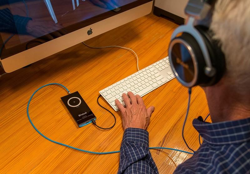 進軍隨身聽市場,McIntosh 推出首台隨身 DAC / 耳機擴大器 MHA50