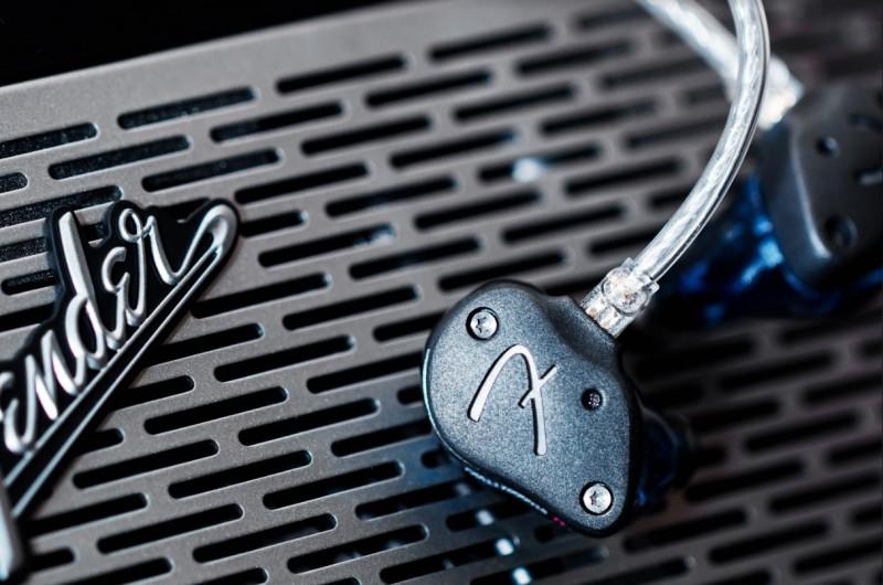Fender FXA11- 旗艦 4 鐵 1 圈混合式單元耳機