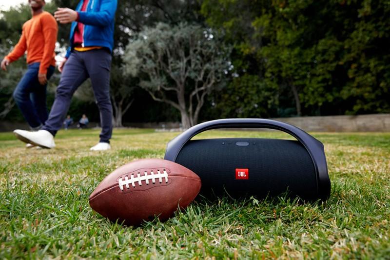 戶外派對良伴,JBL 推出大型便攜式藍牙喇叭 BOOMBOX