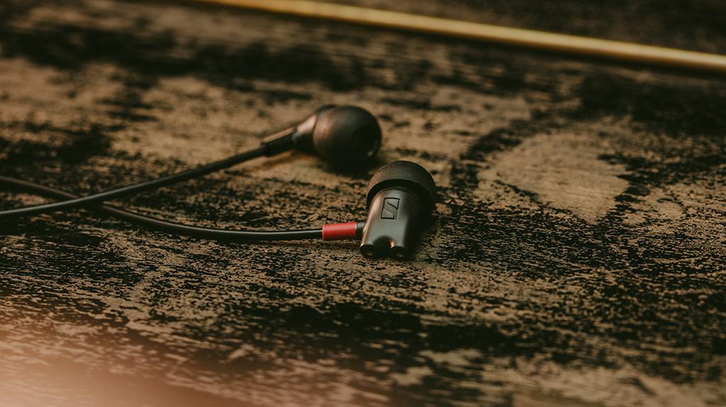 全新 SENNHEISER IE 800 S 入耳式耳機,優化聲像,創新設計