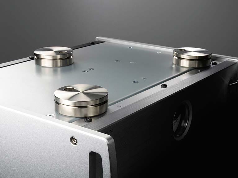 TEAC CG-10M 主時脈產生器 精確脈衝為數碼音樂注入活力