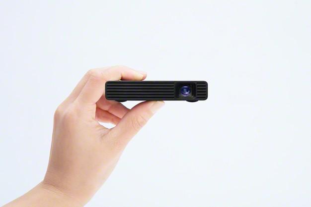 Sony 推出全新便攜式 MP-CD1 微型投影機