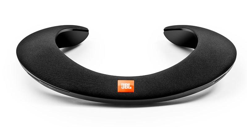 JBL 推出肩膀式藍牙無線喇叭 SOUNDGEAR