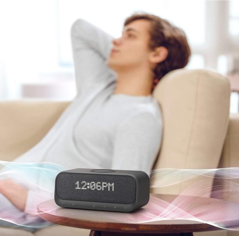 智能鬧鐘功能 + 手機充電,Anker 推出全新藍牙喇叭 Soundcore Wakey