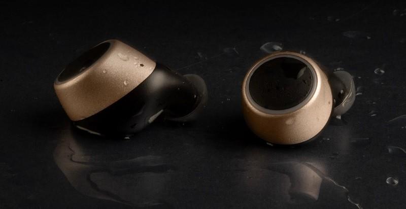 Creative 推出全新左右分離式的無線耳機 Outlier Gold