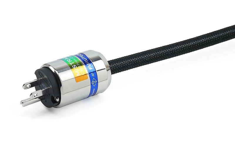 Mistral 推出採用全新導體的電源線 C300 POWER