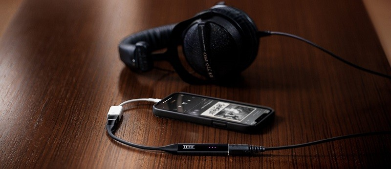 THX AAA 技術+支援 MQA,Razer 推出 THX Onyx 迷你 USB-DAC