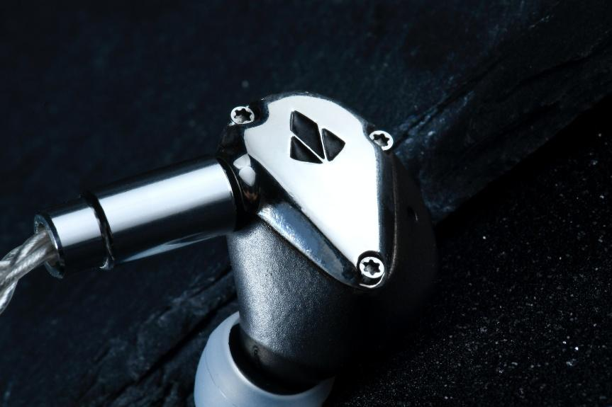 重塑.金屬新形態 - SPEAR Labs Triton INFINITY