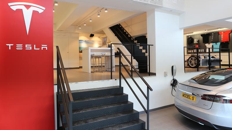 Tesla 開設全新試駕中心 致力推動本港電動車發展