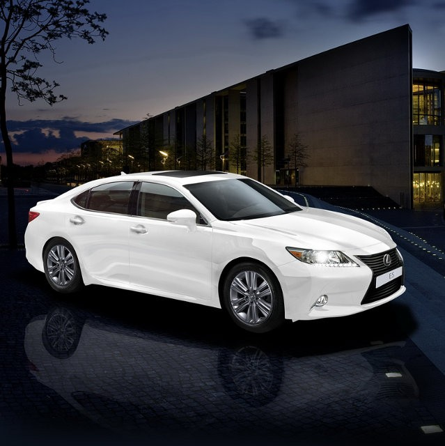 Lexus 壓軸呈獻 ES Cosmo Edition (2014 年 11 月 29 至 30 日)