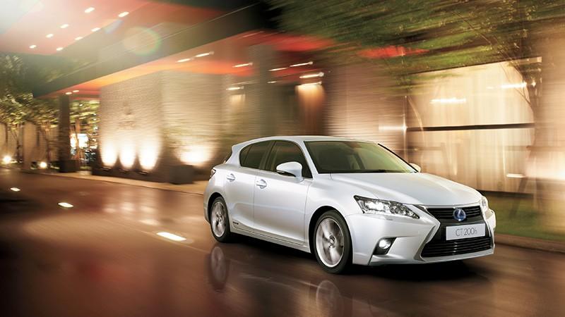 Lexus 沙田石門車展 少量現貨以震撼價發售