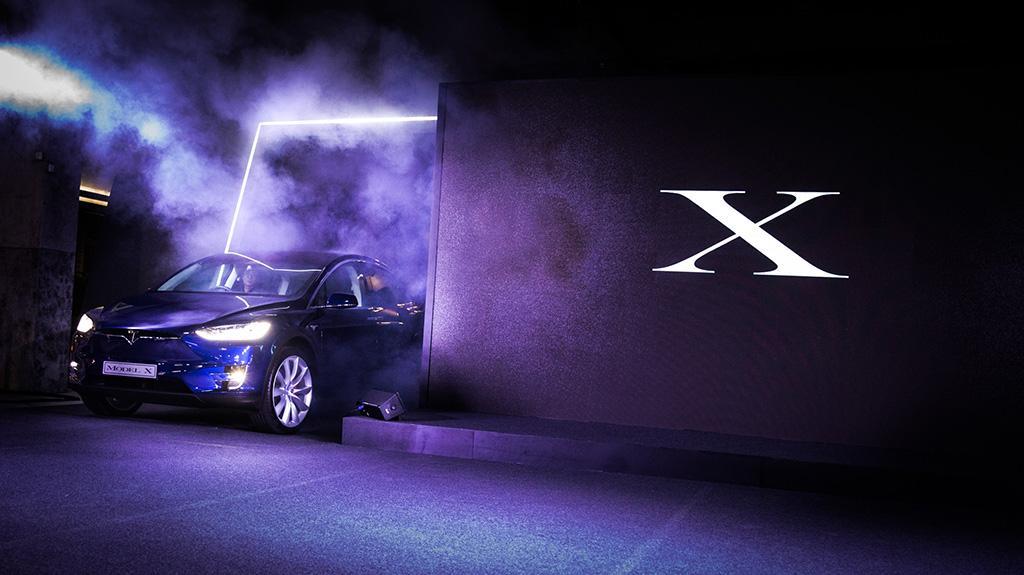Tesla 首次在香港交付 Model X