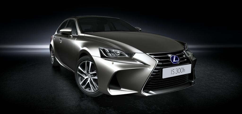 Lexus 本週末 IS300h 首展