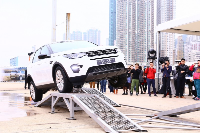 https://www.landrover-hk.com/discovery/experience-park.html