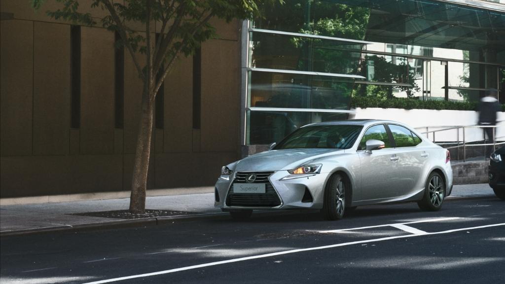 Lexus IS300 鋒芒首現 登場價 $355,950