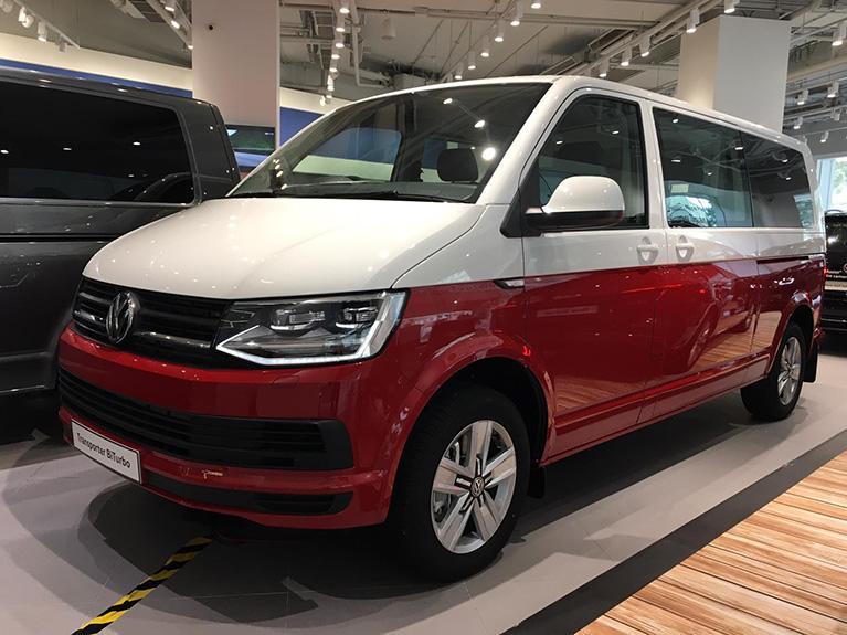 Volkswagen 經典原廠紅白雙色 Transporter BiTurbo 現貨只此一部進駐九龍灣陳列室