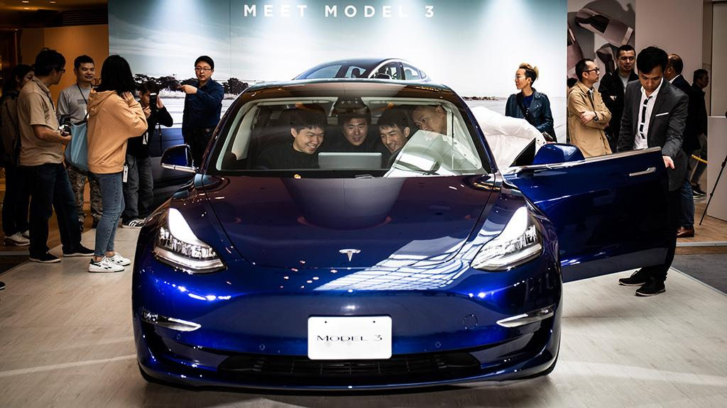 Model 3 抵港首次展出
