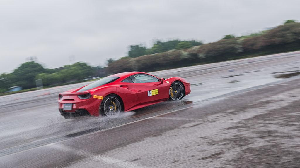 法拉利 Corso Pilota 賽道駕駛全體驗  領略躍馬輝煌純正的賽車激情