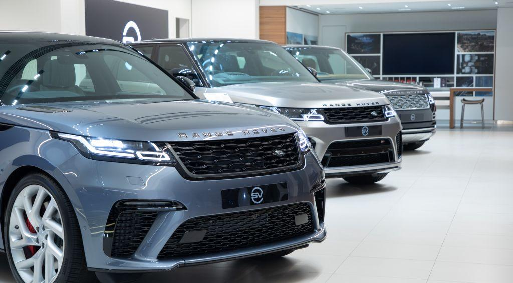 Jaguar Land Rover  SVO (Special Vehicle Operations) Studio首度登場