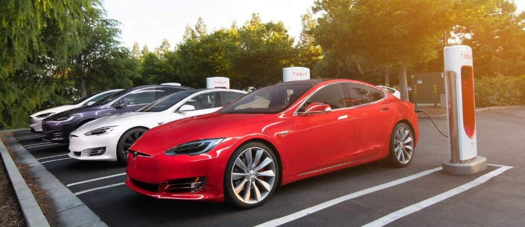 Tesla 圓方 Supercharging 超級充電站擴建 —多種不同充電方式 便捷快速的充電體驗