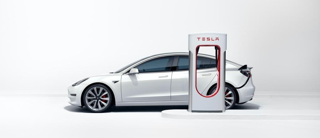 Tesla 全新 V3 Supercharging 超級充電站正式在領展長發廣場投入服務