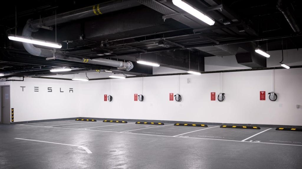 Tesla 超級充電站正式於長沙灣投入服務 繼續擴展專用充電網絡
